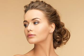 Ästhetische Chirurgie vor dem Sommer – Lidkorrektur, Nasenkorrektur, Botoxbehandlungen